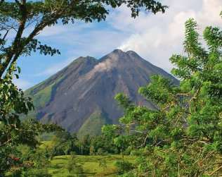 Arenal Volcano Hike & Hot Springs