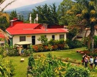 Visita A Los Jardines De La Catarata La Paz, Al Volcán Poás Y A Doka