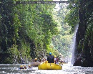 Tour De Un Dia De Rafting En Rio Pacuare - Clase Iii-iv